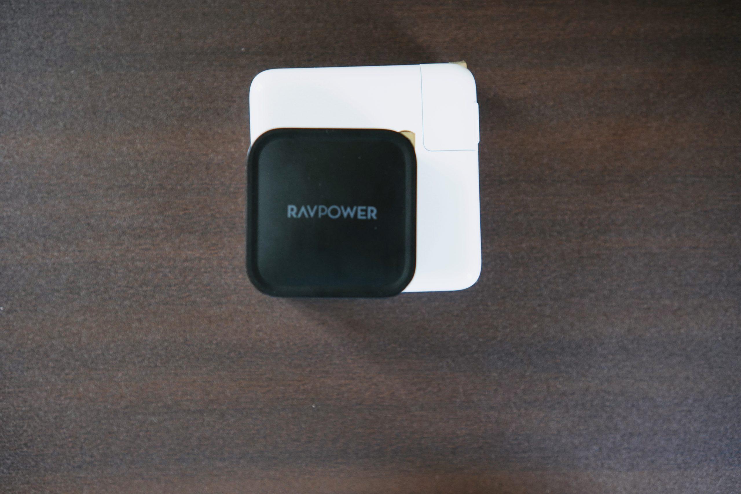 純正とRAVPowerの比較