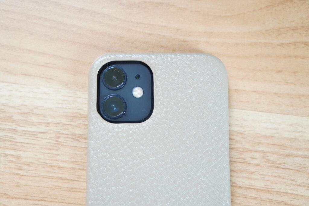 ミニマルベーシックなiPhoneケースをiPhone 12 miniに装着