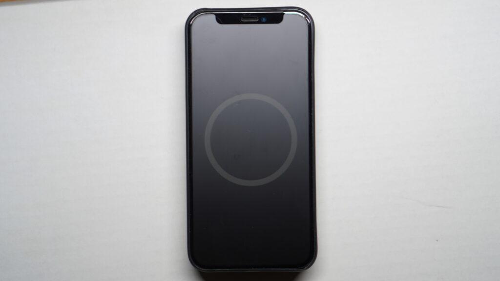 MagSafe対応iPhoneレザーウォレットの専用モーション